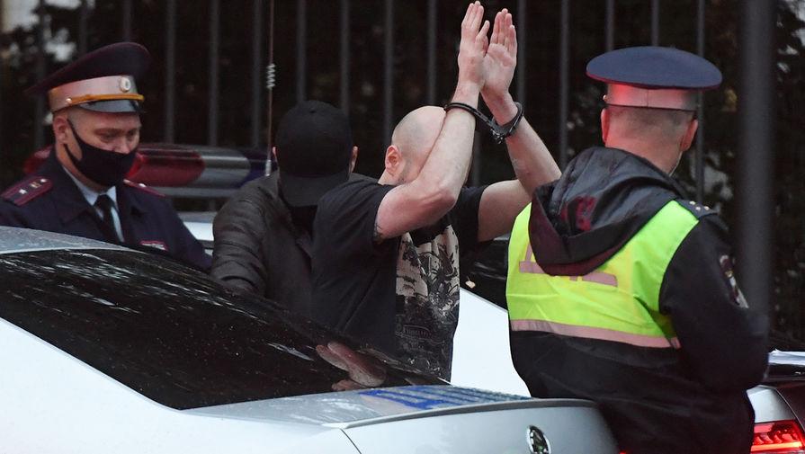 Водитель автомобиля Range Rover, врезавшийся в ограждение резиденции посла США в Москве, 18 сентября 2020 года