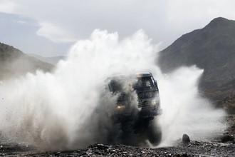 «КАМАЗ» Каргинова покоряет пески «Дакара»