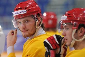 Михаил Григоренко на тренировке сборной России перед матчем с Канадой