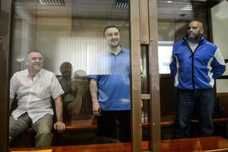 Обвиняемые Лом-Али Гайтукаев, Рустам Махмудов и Сергей Хаджикурбанов
