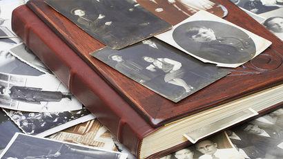 Денис Драгунский о мужестве честно вглядеться в лица и судьбы своих предков