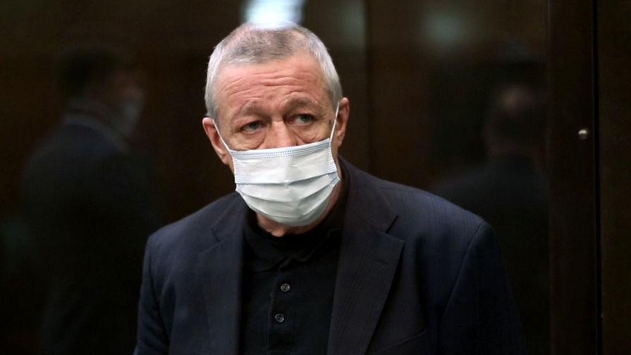 Адвокаты Ефремова объяснили, почему актеру нужно сократить срок заключения