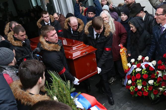 Похороны актрисы Натальи Крачковской на Троекуровском кладбище в Москве