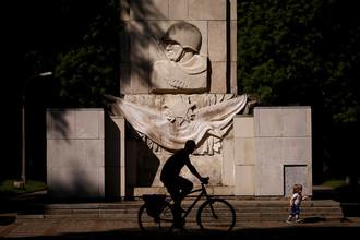 Памятник благодарности солдатам Советской армии в Варшаве