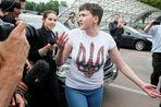 Надежда Савчекно приехала в ДНР, чтобы навестить военнопленных