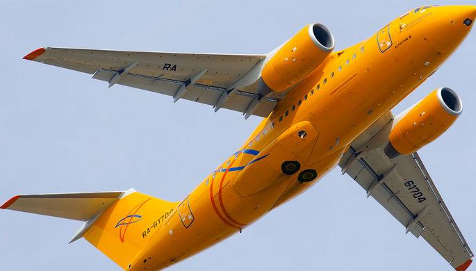 Самолет Ан-148 авиакомпании «Саратовские авиалинии»