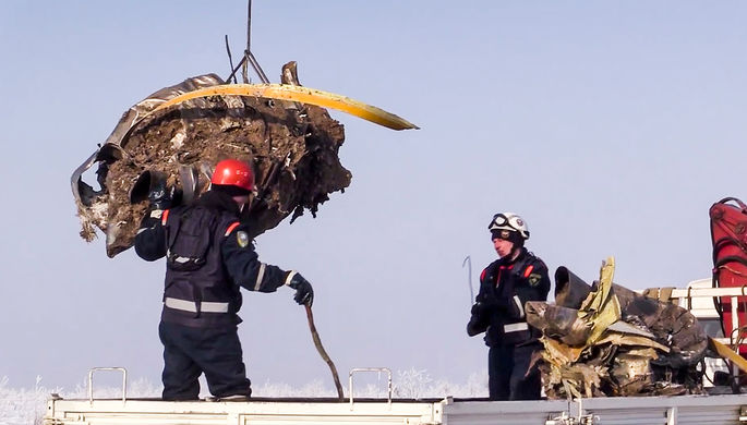 Обломки пассажирского самолета Ан-148 после крушения в Раменском районе Подмосковья, 13 февраля 2018...