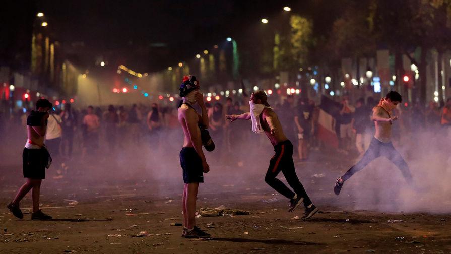 После победы сборной на ЧМ-2018 во Франции произошли беспорядки