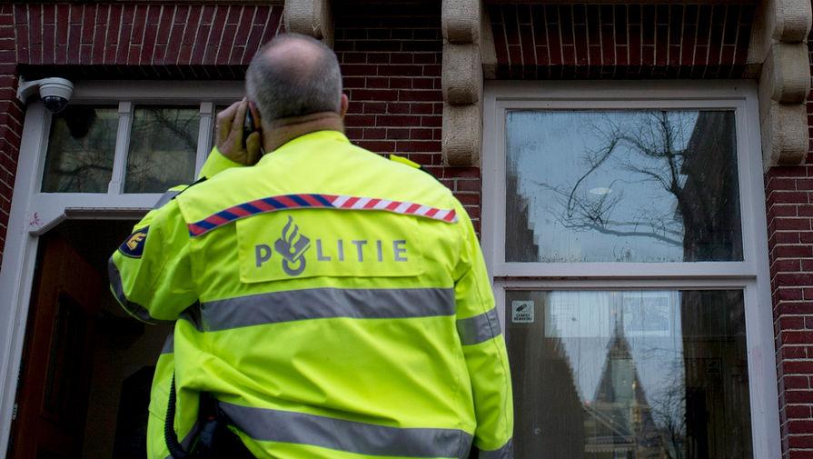 В Амстердаме полиция применила против протестующих водометы