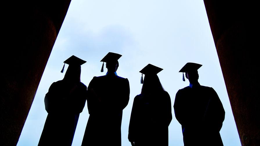 В Сыктывкарском университете выплатили стипендии несуществующим студентам