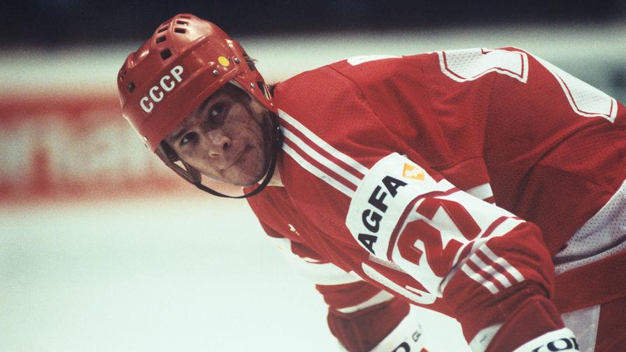 Нападающий сборной СССР, чемпион мира и Европы Вячеслав Быков, 1985 год