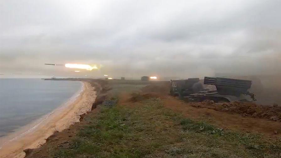 Учения войск Южного военного округа и Воздушно-десантных войск в Крыму (кадр из видео)