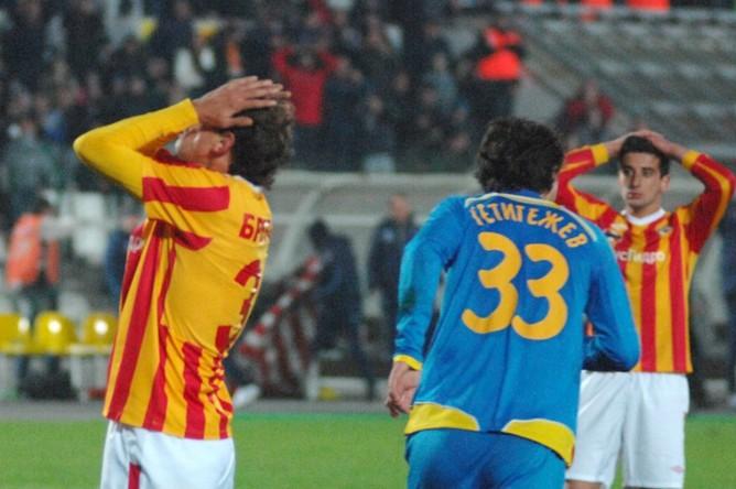 Футболисты «Алании» хватаются за головы из-за неиспользованного момента