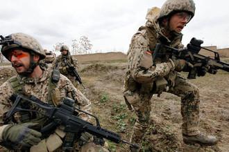 «Бледная тень»: в США требуют от Германии деньги на НАТО