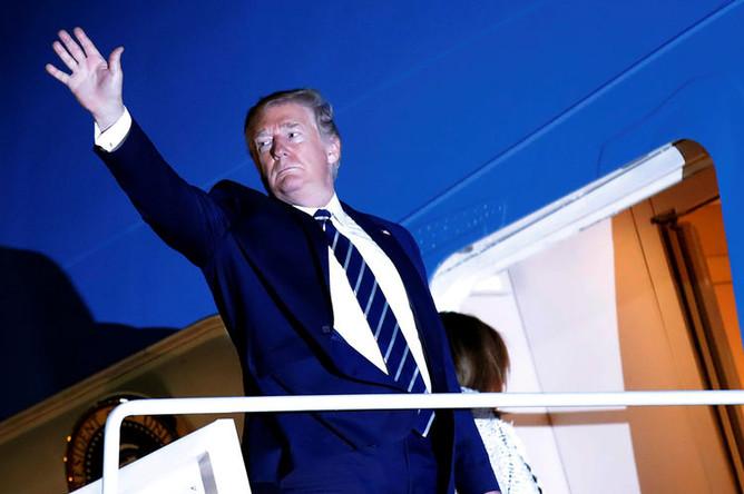 Дональд Трамп прибывает на саммит G7