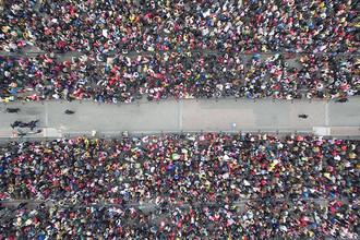 В Китае 100 тысяч человек скопились на вокзале из-за задержки поездов