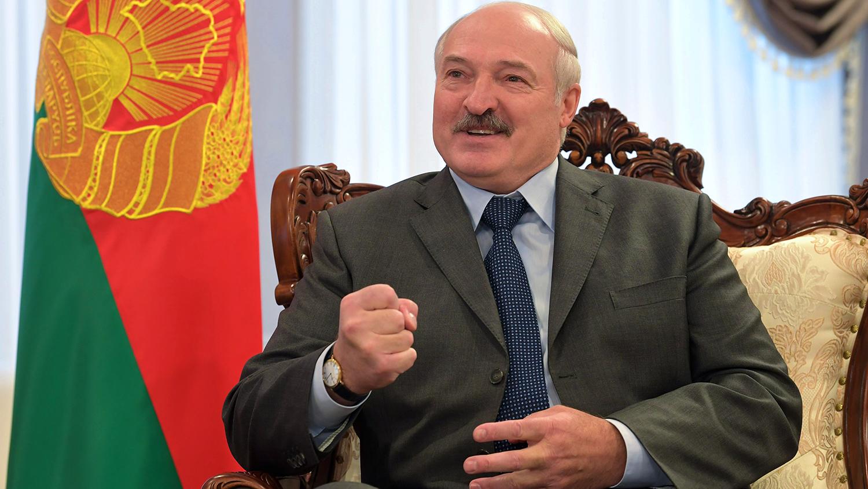 """Лукашенко: """"Гибридная война ЕС против Белоруссии подталкивает к третьей мировой"""""""