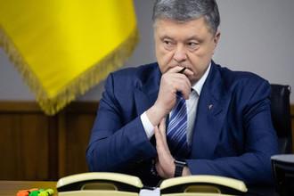 «Стыдно за внешний вид»: глава протокола жалуется на Порошенко