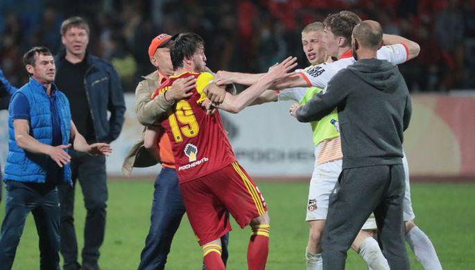 Игрок «Арсенала» Резиуан Мирзов в матче с «Уралом»