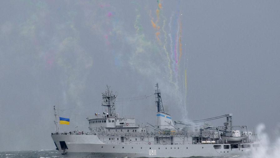 В Черном море терпит бедствие корабль ВМС Украины