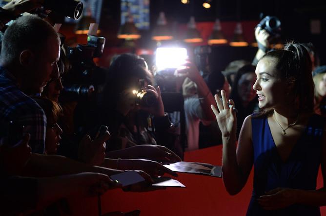 Актриса Саша Грей на премьере фильма «Открытые окна» в Москве