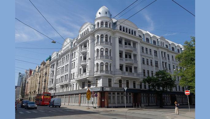 «Произошло нападение на посольство Латвии в Москве»