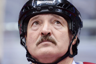 Президент Белоруссии Александр Лукашенко во время товарищеского матча в Сочи, 2014 год