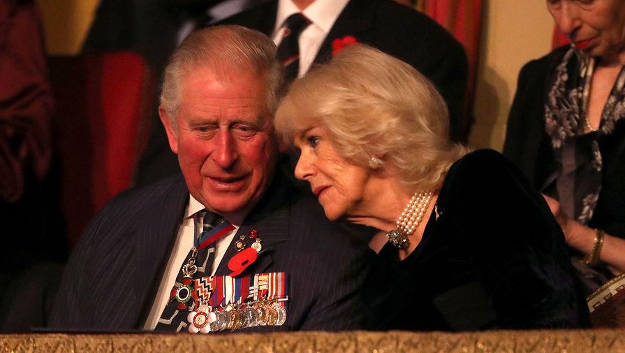 Принц Чарльз и его супруга привились от коронавируса