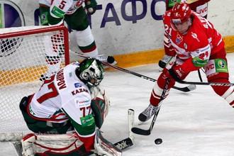 Вратарь «Ак Барса» Эмиль Гарипов отразил 28 бросков в матче со «Спартаком»