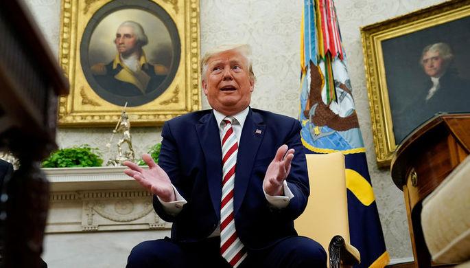 Заговаривает зубы: как Трамп отводит угрозу рецессии