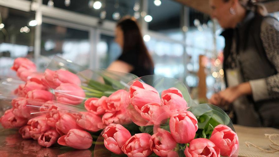 СМИ: цветы в России подорожали вдвое