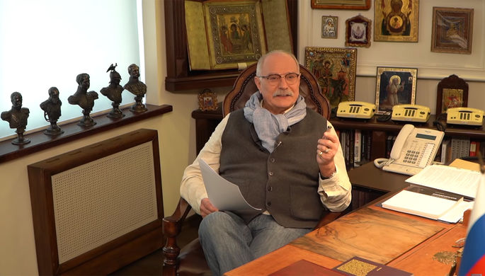 «В лицо скажешь?»: Михалков обматерил критиков «Бесогон-ТВ»