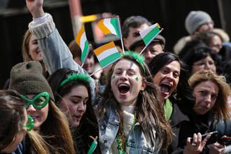 Участники парада дня Святого Патрика в Дублине, Ирландия, 17 марта 2018 года