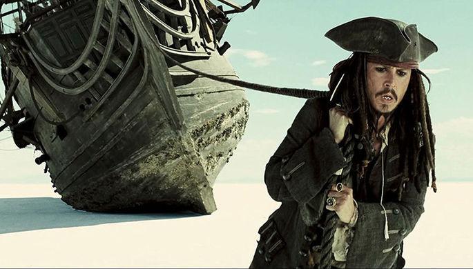 Картинки по запросу Джонни Депп хочет переснять «Титаник» в своей ванной