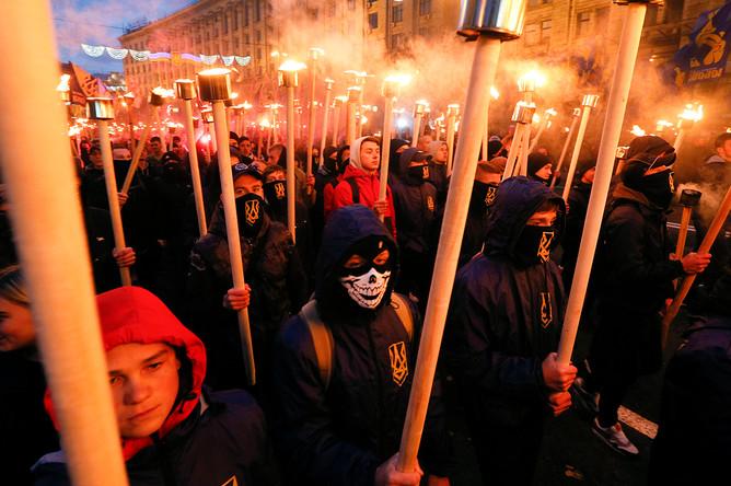 Участники марша националистов в Киеве, 14 октября 2017