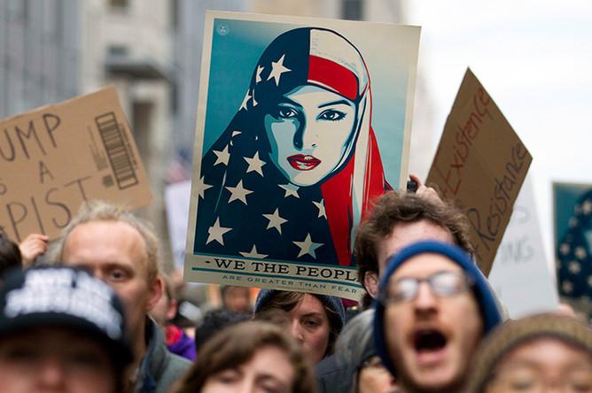 Протесты в Вашингтоне в связи с инаугурацией 45-го президента США Дональда Трампа, 20 января 2017 года