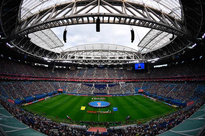 Команды перед началом матча Кубка конфедераций – 2017 по футболу между сборными России и Новой Зеландии в Санкт-Петербурге