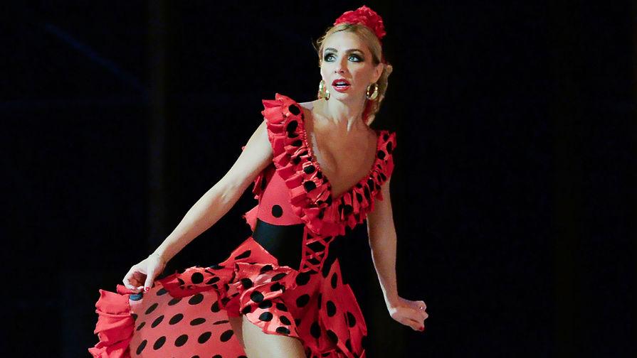 Фигуристка Татьяна Навка выступает в ледовом мюзикле Ильи Авербуха «Кармен», 2015 год