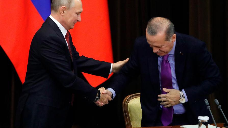 Президент России Владимир Путин и президент Турции Реджеп Тайип Эрдоган во время совместного заявления для прессы по итогам встречи в Сочи, 22 ноября 2017 года