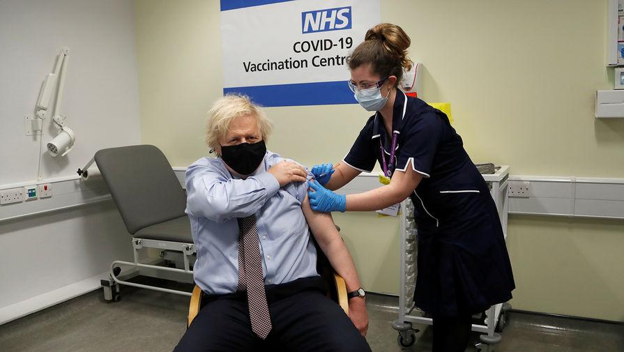 Борис Джонсон получил вторую дозу вакцины