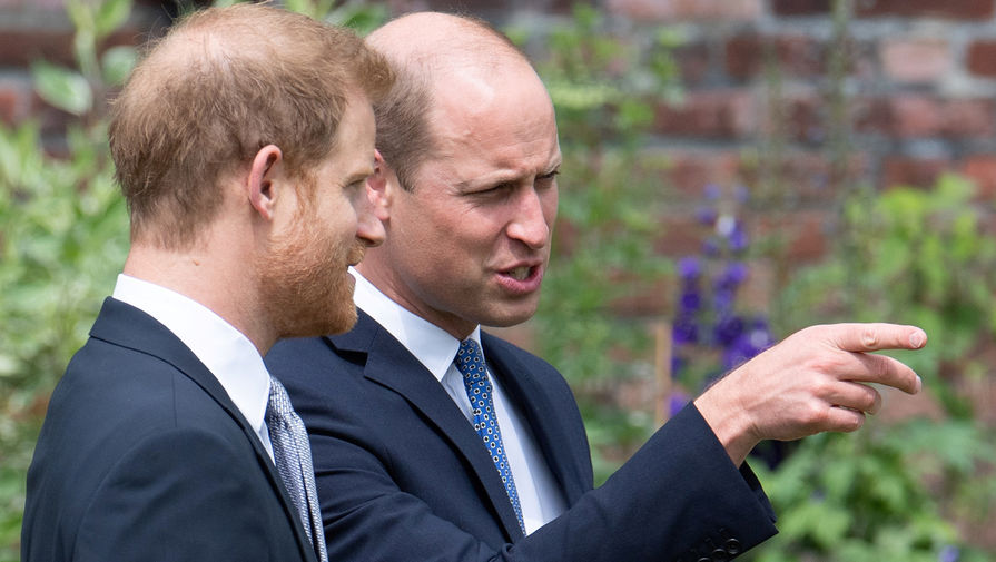 СМИ: помощники принца Уильяма распространяют слухи о психических болезнях принца Гарри