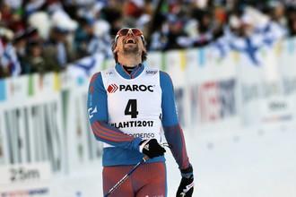 Сергей Устюгов выиграл мужской скиатлон на чемпионате мира по лыжным гонкам в Лахти