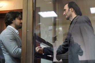 Адвокат Мурат Мусаев и Юсуп Темерханов, обвиняемый в убийстве Юрия Буданова