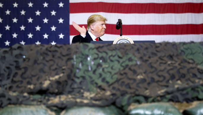 Президент США Дональд Трамп во время визита на авиабазу Баграм в Афганистане, 28 ноября 2019 года