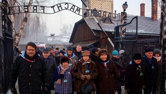 Железнодорожные пути к воротам концентрационного лагеря Аушвиц, 25 января 1995 года