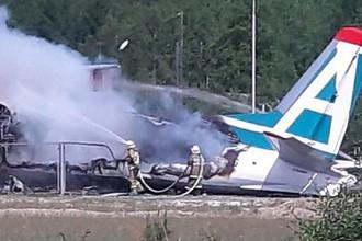 На месте аварийной посадки пассажирского самолета Ан-24 авиакомпании «Ангара», 27 июня 2019 года