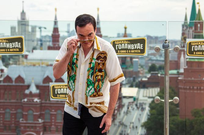 Режиссер Квентин Тарантино во время фотосессии в Москве, 7 августа 2019 года