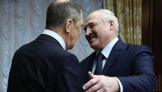 Министр иностранных дел России Сергей Лавров и президент Белоруссии Александр Лукашенко во время встречи во Дворце независимости, 26 ноября 2020 года