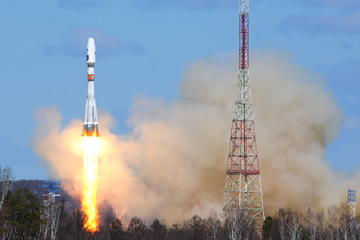 28 апреля 2016 года. Ракета-носитель «Союз-2.1а» с российскими космическими аппаратами «Ломоносов», «Аист-2Д» и SamSat-218 во время запуска со стартового комплекса космодрома Восточный
