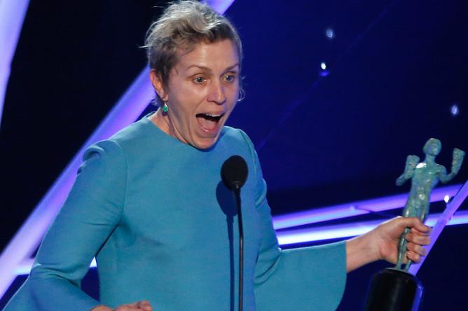 Фрэнсис Макдорманд признали лучшей актрисой по версии Гильдии киноактеров США. Она сыграла главную роль в фильме «Три билборда на границе Эббинга, Миссури»